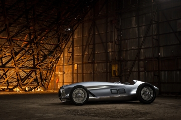 Infiniti-Prototype-9-side-view-in-structure